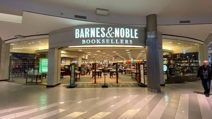 what time does barnes and noble open